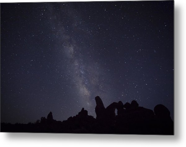 The Milky Way Over Turret Arch Metal Print