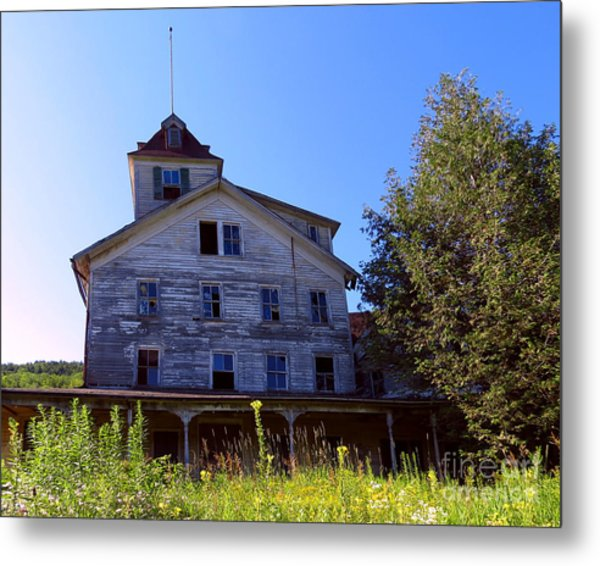 The Old Cold Spring Hotel Metal Print