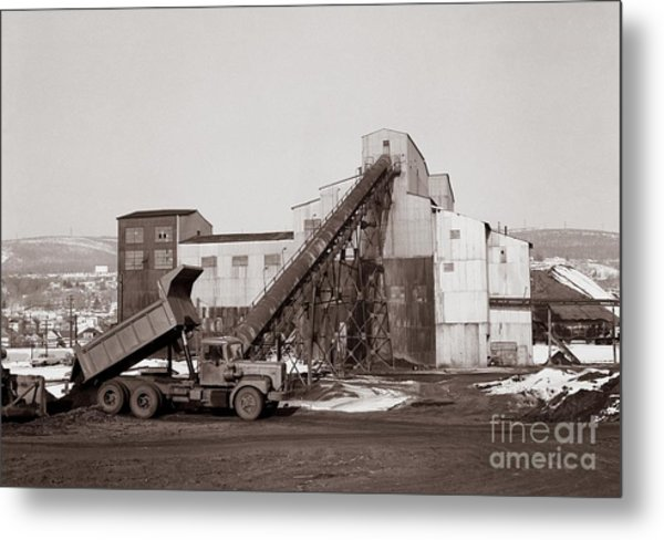 The Olyphant Pennsylvania Coal Breaker 1971 Metal Print