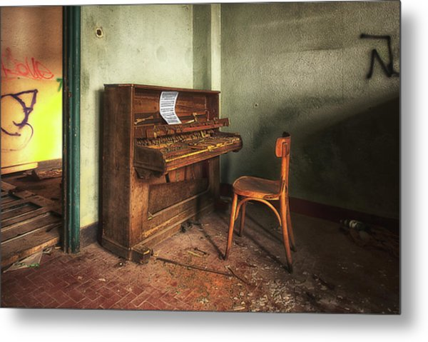 Metal Print featuring the photograph The Piano by Enrico Pelos