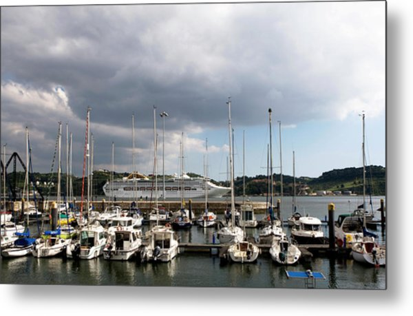 Metal Print featuring the photograph Ship Comes In To Belem by Lorraine Devon Wilke