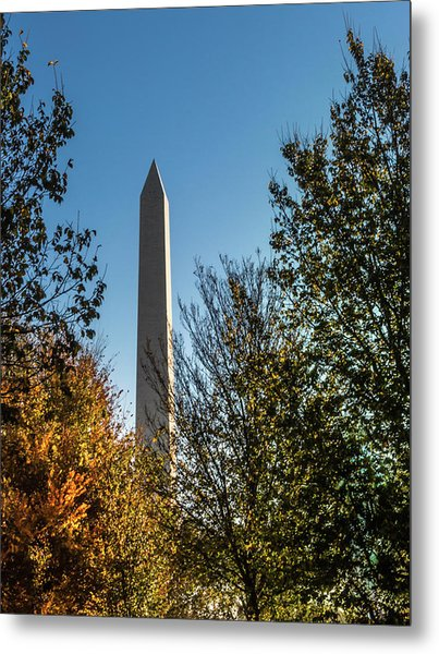 The Washington Monument In Fall Metal Print