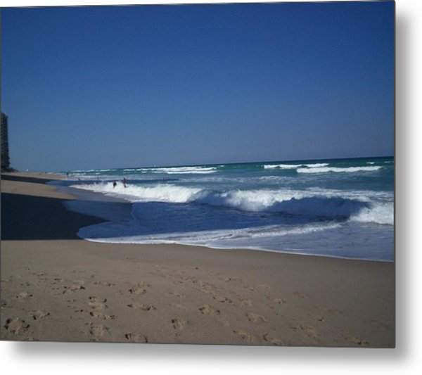 Tide Play Metal Print by Karen Thompson
