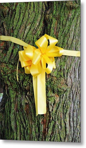 Tie A Yellow Ribbon Metal Print by Lyle  Huisken