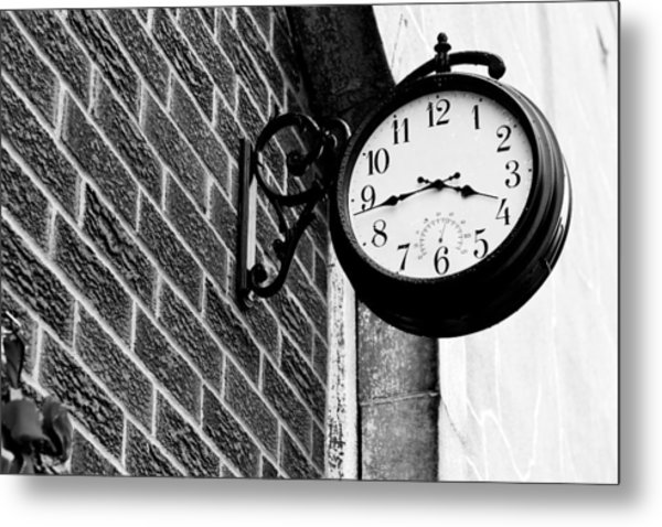 Time In Black And White Metal Print by Michelle Shockley
