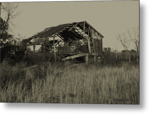Tin Shack Metal Print by Gregory Letts