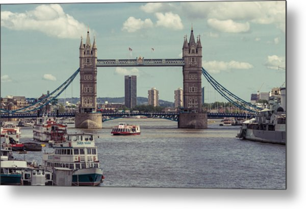 Tower Bridge B Metal Print
