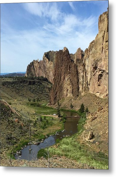 Towering Smith Rocks Metal Print