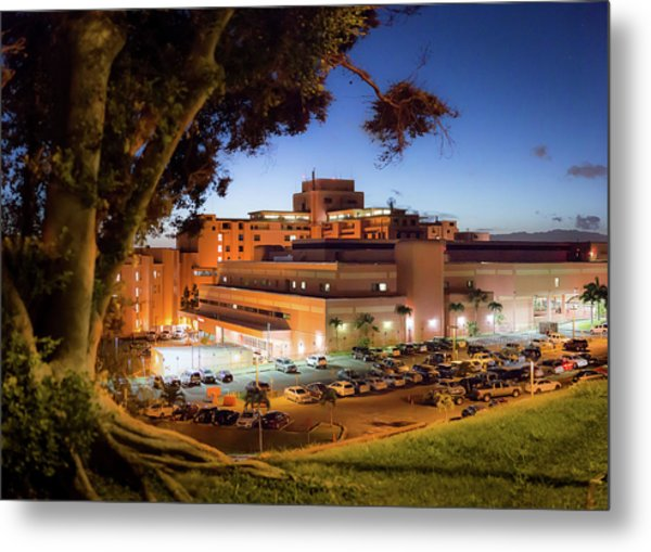 Tripler Army Medical Center Metal Print