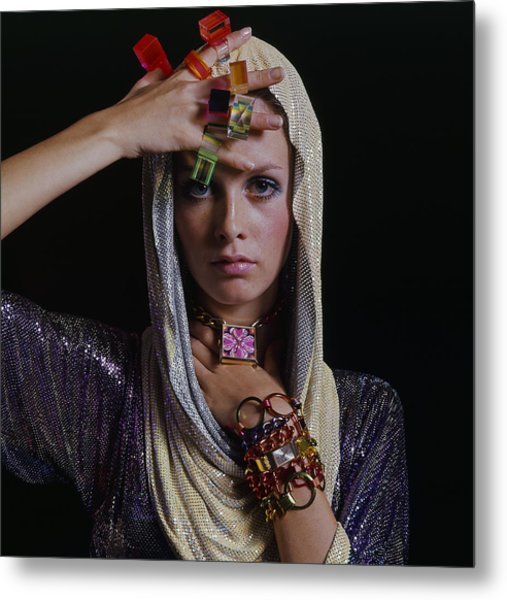 Twiggy With Lucite Rings Metal Print by Bert Stern