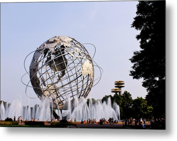 Unisphere Fountain Metal Print