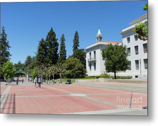 University Of California At Berkeley Sproul Plaza Sather Gate And Sather Tower Campanile Dsc6247 Metal Print