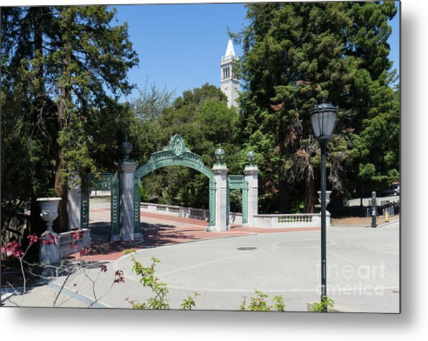 University Of California At Berkeley Sproul Plaza Sather Gate And Sather Tower Campanile Dsc6261 Metal Print