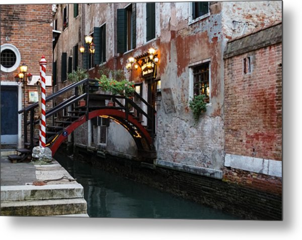 Venice Italy - The Cheerful Christmassy Restaurant Entrance Bridge Metal Print
