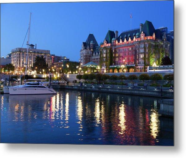 Victoria Lights Metal Print