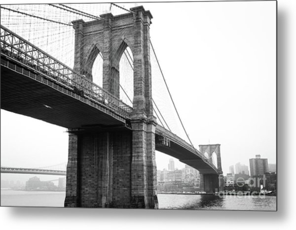 View Brooklyn Bridge With Foggy City In The Background Metal Print