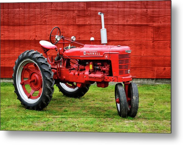 Vintage Farmall Tractor With Barnwood Metal Print