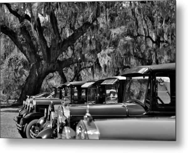 Vintage Ford Line-up At Magnolia Plantation - Charleston Sc Metal Print