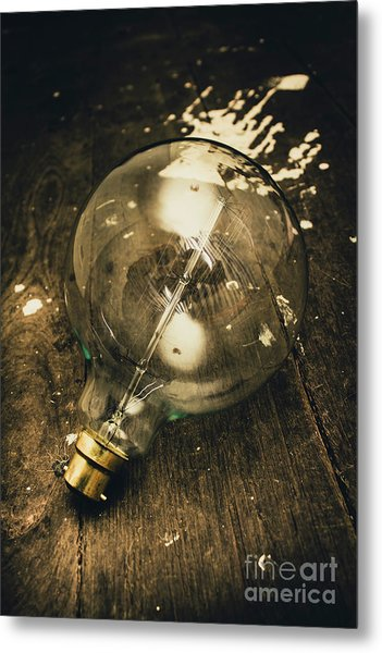 Vintage Light Bulb On Wooden Table Metal Print