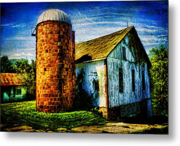 Vintage Silo Metal Print by Trudy Wilkerson