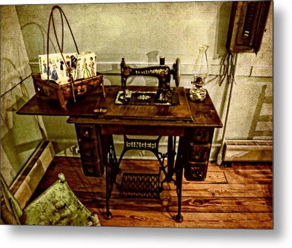 Vintage Singer Sewing Machine Metal Print