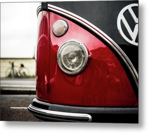 Metal Print featuring the photograph Vw Split Screen Camper by Will Gudgeon