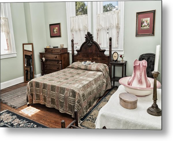 Metal Print featuring the photograph Wardens Bedroom by Linda Constant