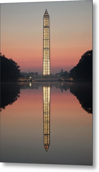Washington Monument At Dawn Metal Print