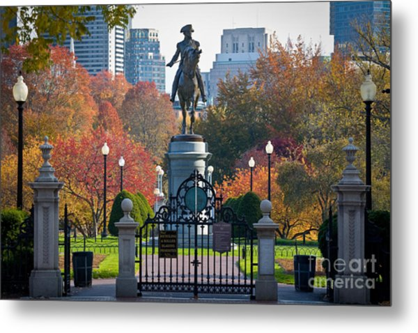Washington Statue In Autumn Metal Print