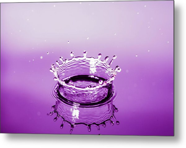 Water Drop Crown Metal Print