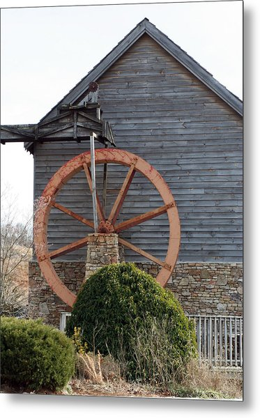 Waterwheel Of Old Metal Print by Linda A Waterhouse