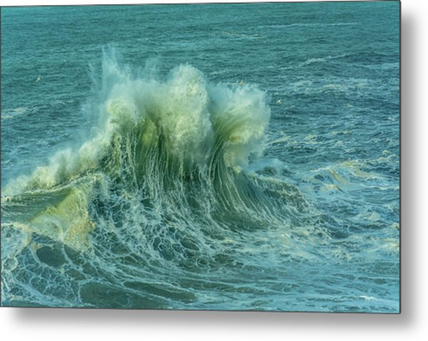 Wave Crown Metal Print