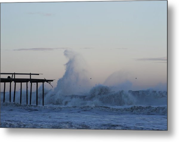 Wave Towers Over Oc Fishing Pier Metal Print
