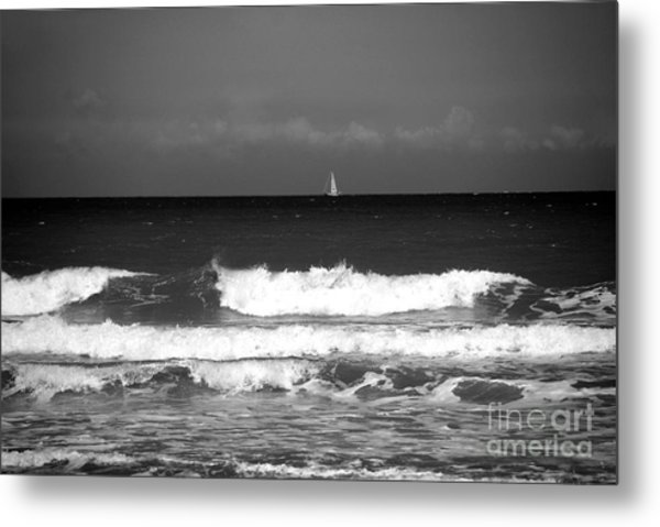 Waves 4 In Bw Metal Print