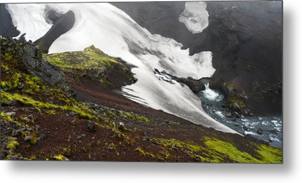 White On Black In The Icelandic Highlands Metal Print