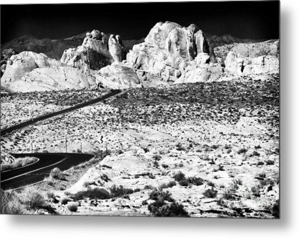 Winding In The Desert Metal Print by John Rizzuto