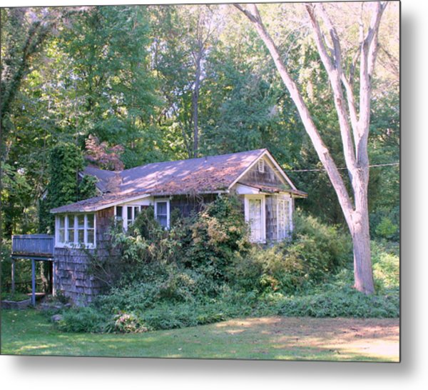 Winter House In The Woods Metal Print by Robert Babler