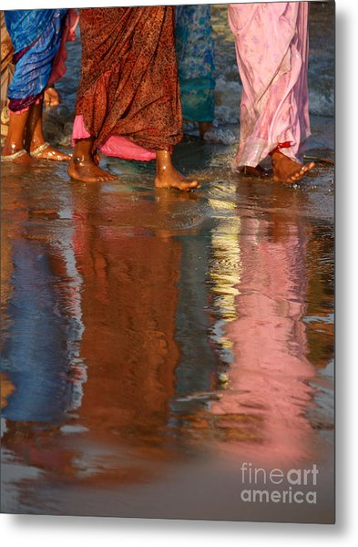 Women In Saris Metal Print