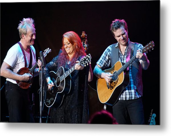 Wynonna Judd In Concert With Hubby Cactus Moser And Band Guitarist Metal Print