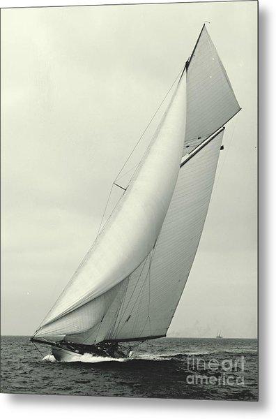 Yacht Columbia 1901 Metal Print