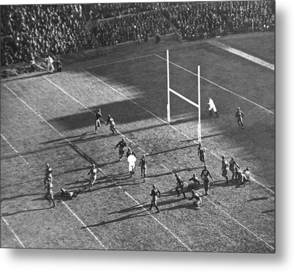 Yale Attempts Forward Pass Metal Print