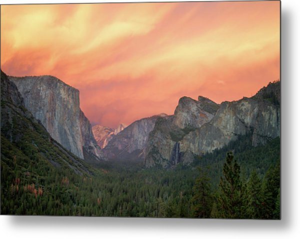 Yosemite - Red Valley Metal Print