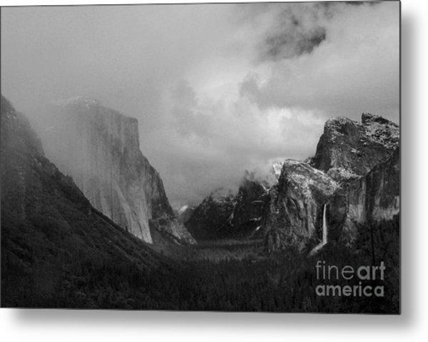Yosemite Valley Metal Print by Richard Verkuyl