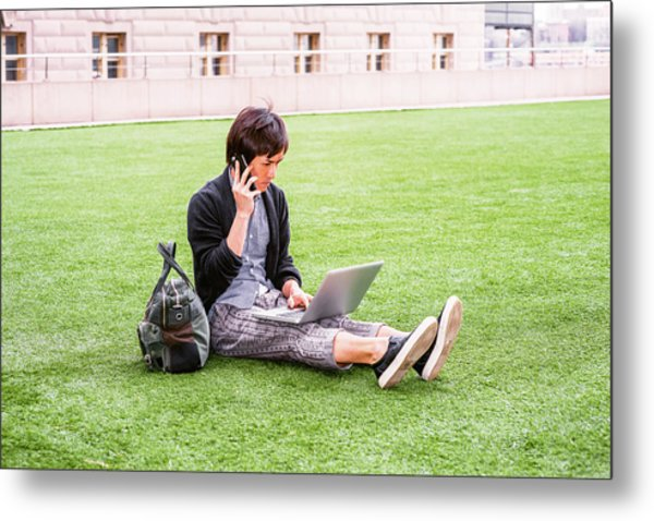 Young Japanese Man Traveling, Working In New York 15041418 Metal Print