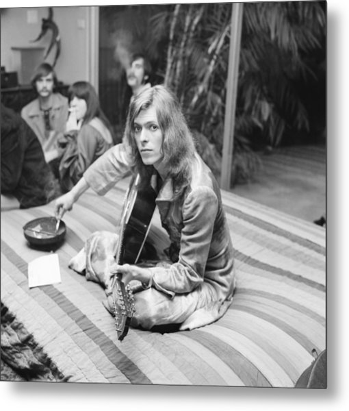 David Bowie At Bingeheimer Party Metal Print by Michael Ochs Archives