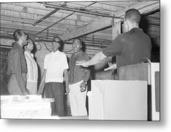 Four Tops Rehearsing In The Basement Metal Print