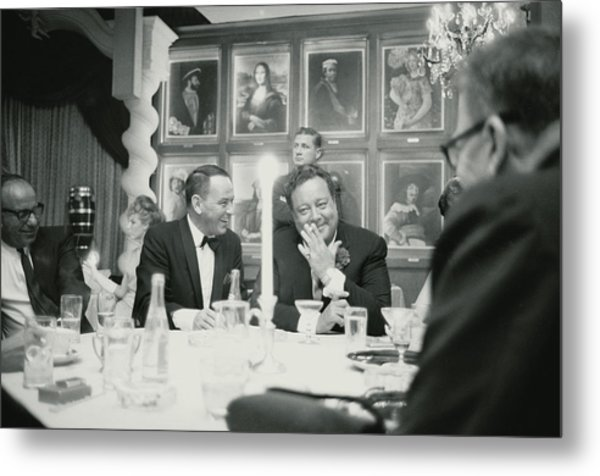 Frank Sinatra L Sharing A Laugh With Metal Print