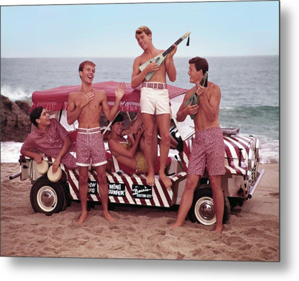 Guys And Gals On The Beach Metal Print by Tom Kelley Archive