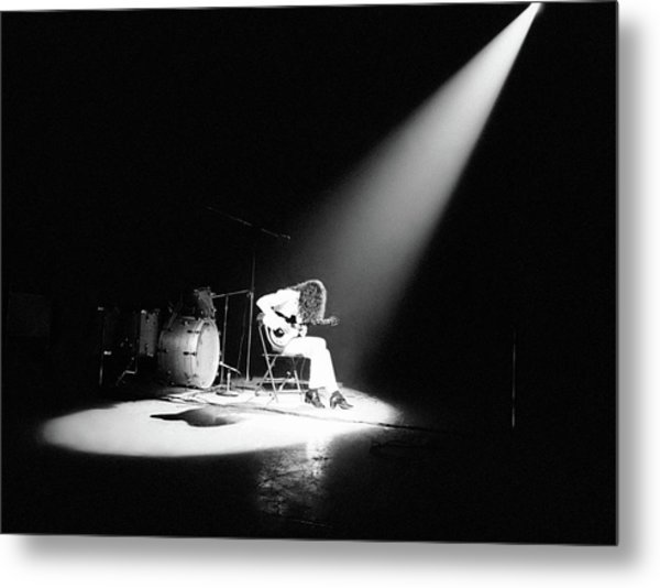 Led Zeppelin Performs In 1972 Metal Print by Michael Ochs Archives