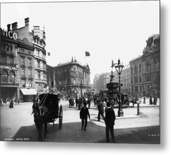 Piccadilly Circus Metal Print by London Stereoscopic Company